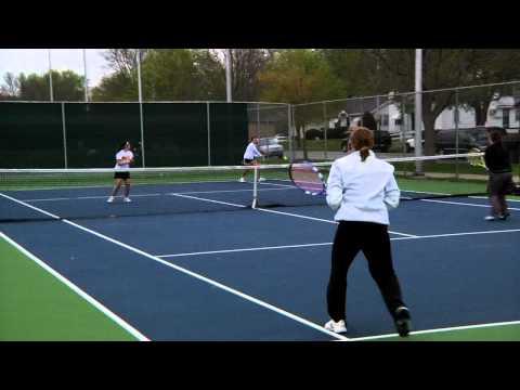 Griffon Tennis Falls to Jewell