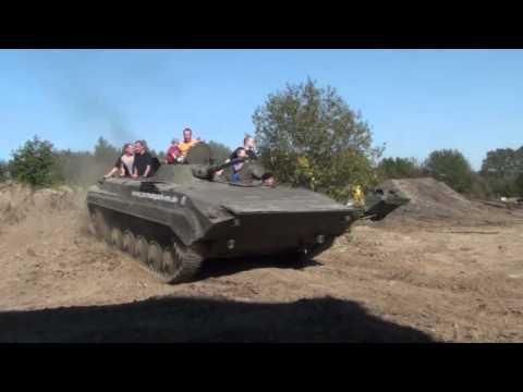 Treffen im Technikpark-MV Grimmen 01.10.2011 Panzer fahren BMP Tatra Kraz SPW Lanz Bulldog