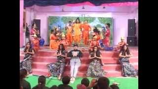 Group dance on Pal Pal hai bhaari...Emmanuel school