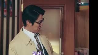 スーパーサラリーマン左江内氏9話で左江内氏の背後のドアに人の顔が映っ...