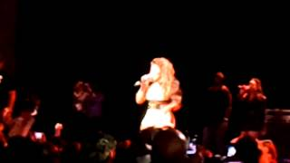 Lil Kim - Performing Mo Money Mo Problems Live in Milwaukee, WI (Return of the Queen Tour)