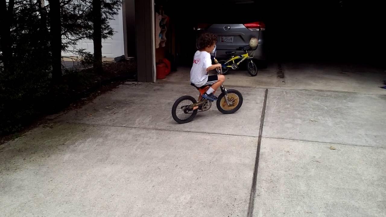 Oh Boy Water Gun On His Bike Youtube
