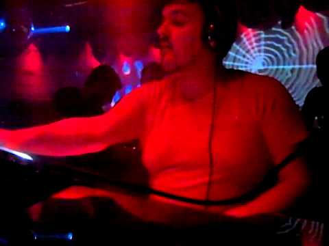 13 Glensk - Pacific Blue (Daniel Kandi's Bangin Mix)