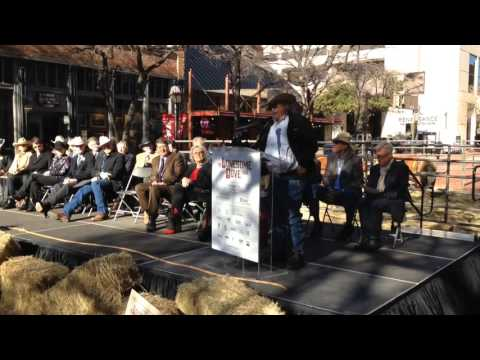 "Barry Corbin reads from ""Lonesome Dove"""