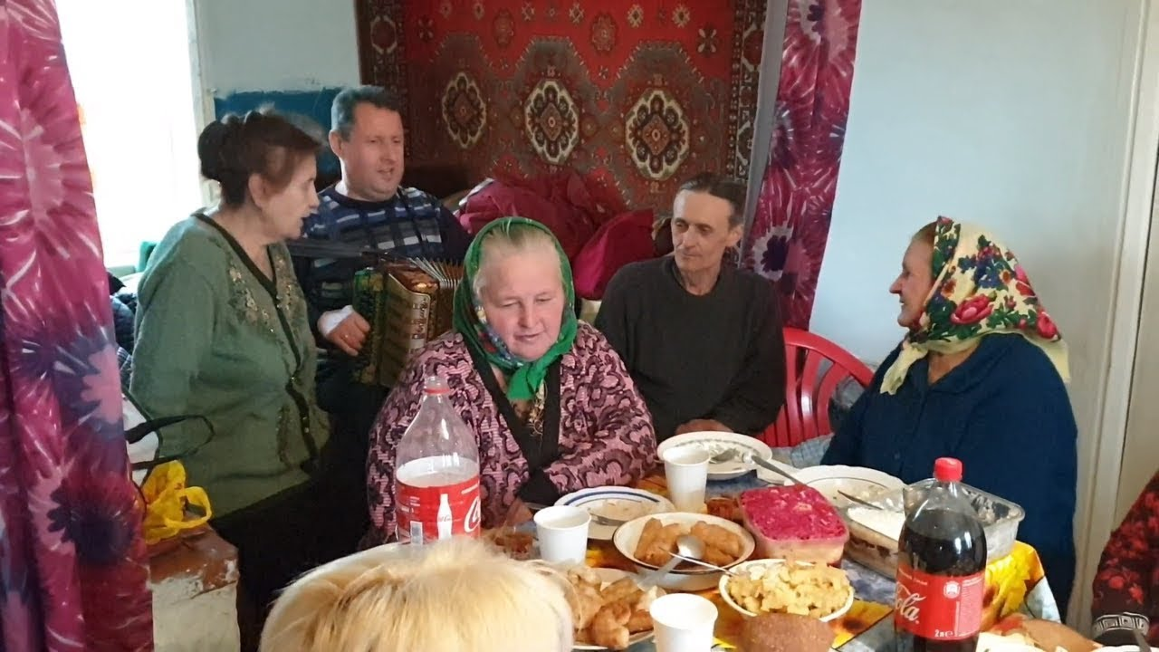 Паша гармонист и бабушки