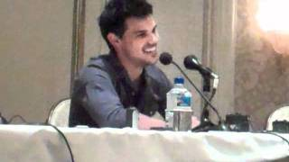 Taylor Lautner Interview - Breaking Dawn Press Conference Part 1