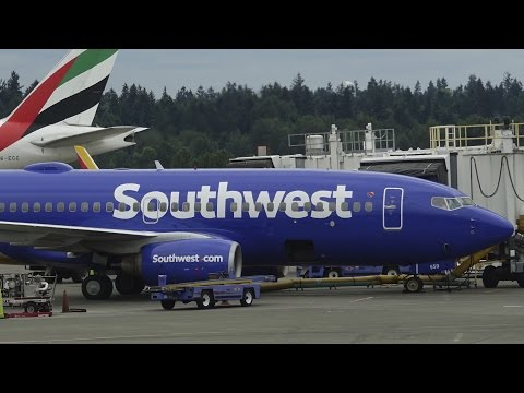 Woman gets kicked off Southwest Airlines flight for sleeping. (adult content)