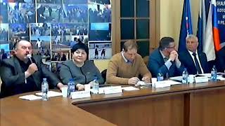 Смотреть видео Налоги в Шувакише (Дебаты Единая Россия Екатеринбург 5 мая 2018 - фрагмент) онлайн