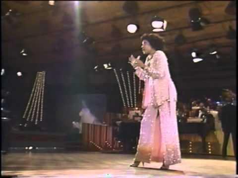 "Eliana Pittman interpreta ""Ponteio"", de Edu Lobo, no Jerry Lewis"