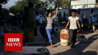 India caste unrest 'encircles Delhi' - BBC News