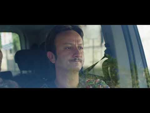 Una Festa Esagerata - Scena dal film: in taxi