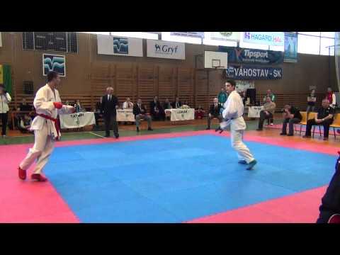 2012 Majstrovstvá SR v karate kumite muži - 75 kg Finále Cisár vs Lieskovský