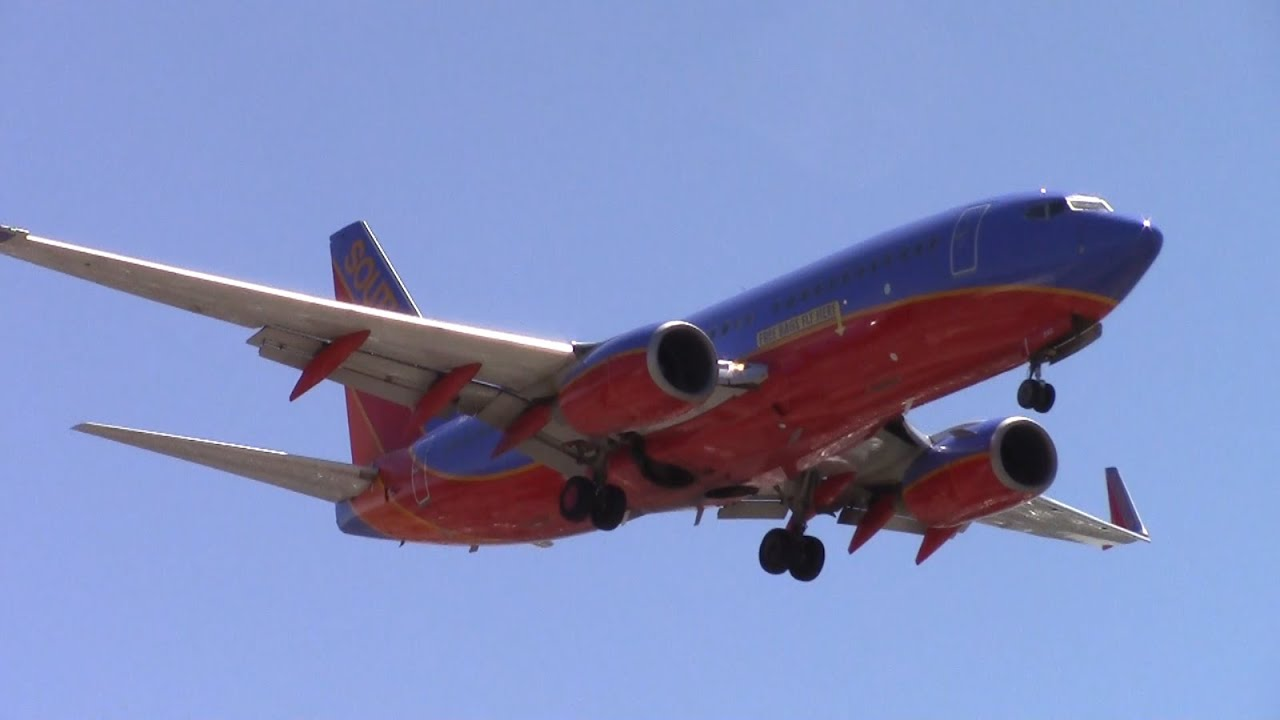 e0bd891604 Southwest Airlines Boeing 737-700  N249WN