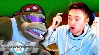 10-Year Mario Kart Wii Veteran Uses Nunchuck