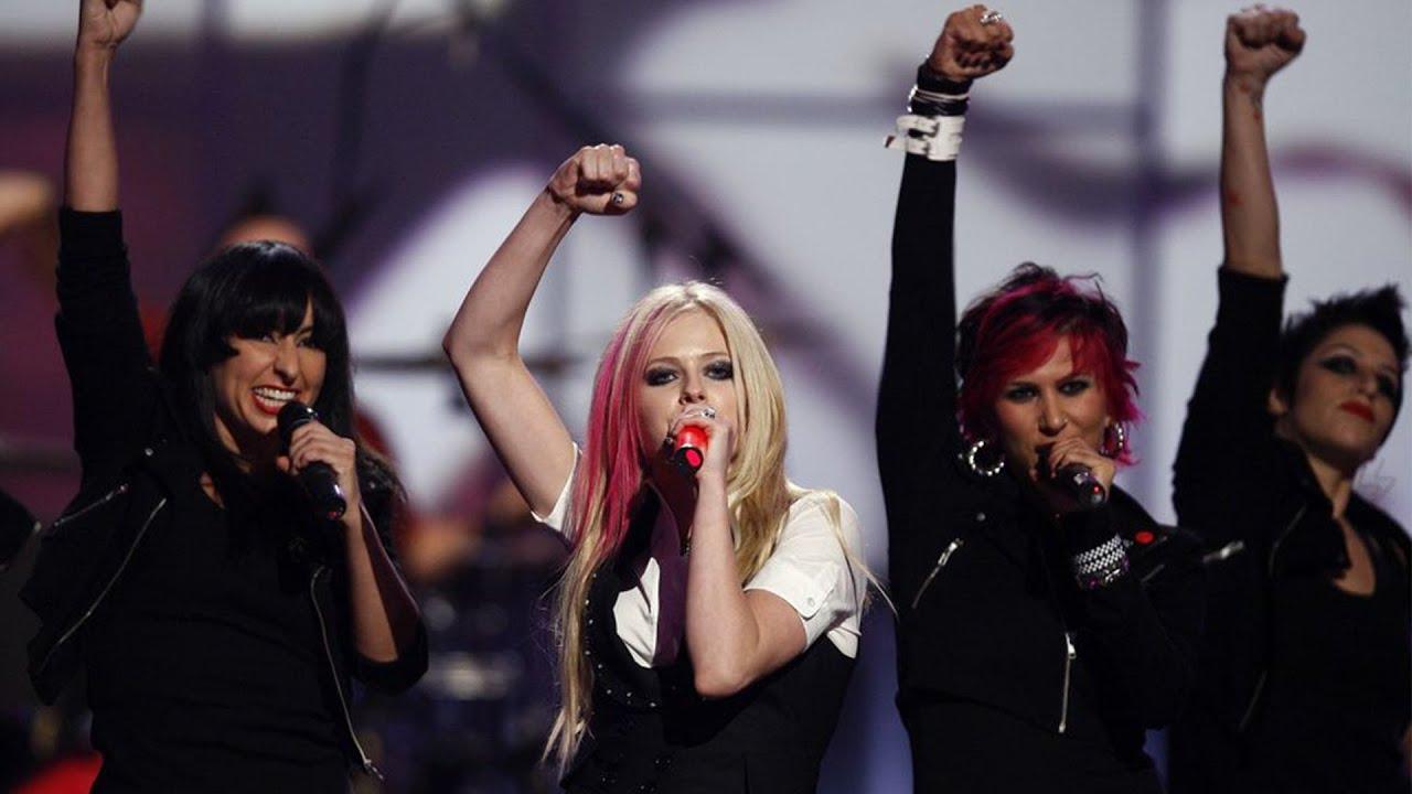 Avril Lavigne Girlfriend Live At Fashion Rocks 2007