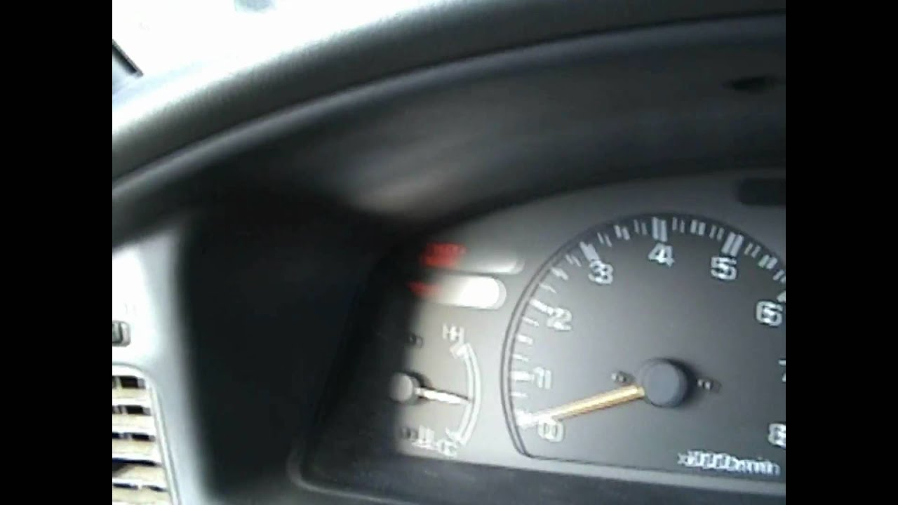 Subaru Legacy: Low fuel warning light