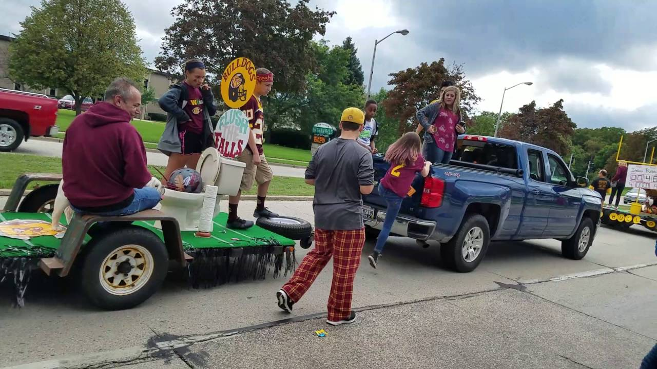 West Allis Central Homecoming Parade 2016 - YouTube