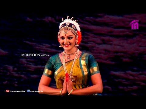 Manju Warrier performing Kuchipudi at Nishagandhi Festival 2015, Thiruvananthapuram (1)