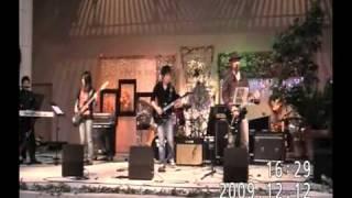 2009/12/12に行われた 松江イングリッシュガーデンでの Retrock Night Vol.4 から1曲目。