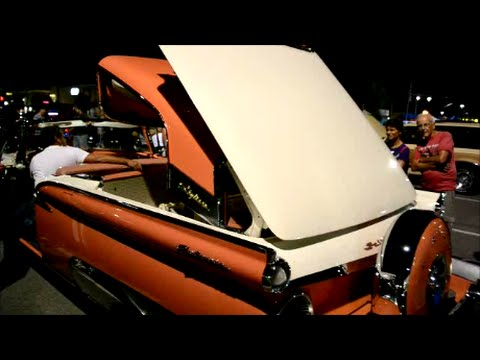 59 FORD SKYLINER START UP  OPERATING RETRACTABLE TOP - YouTube