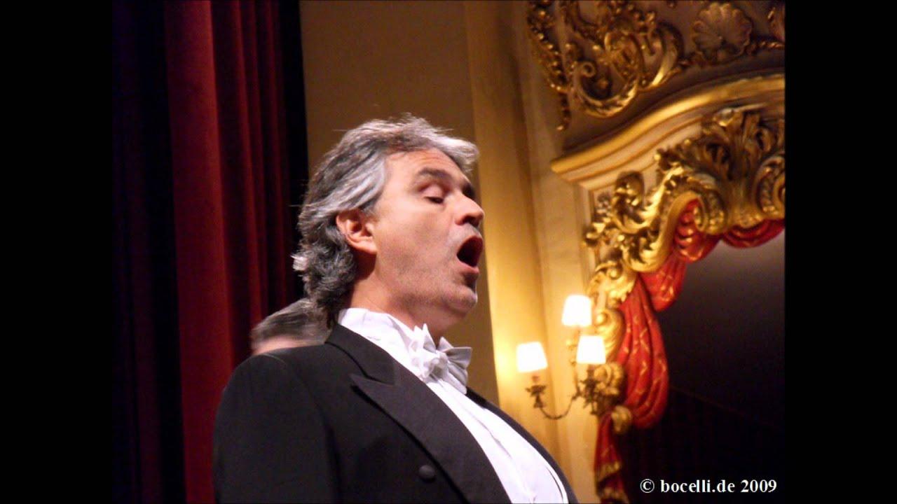 Andrea Bocelli docela yende datovania
