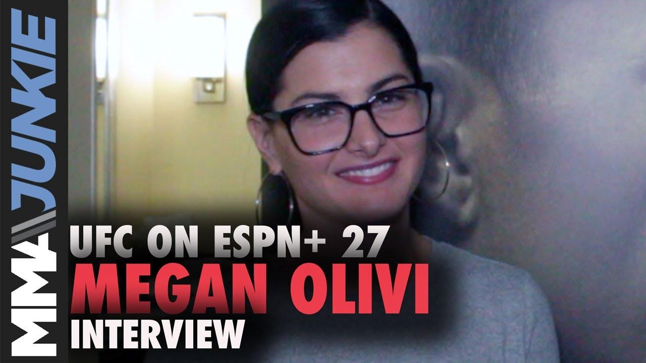 Megan Olivi  nackt