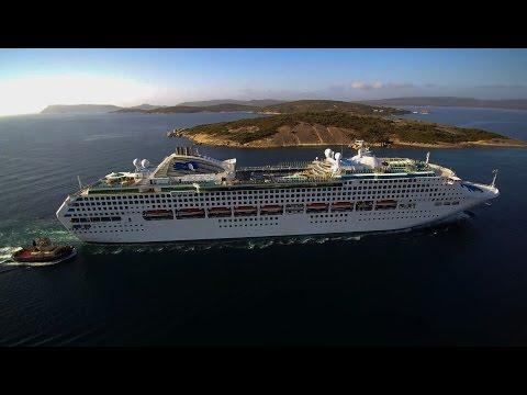 Cruise Ship  Sun Princess into Albany
