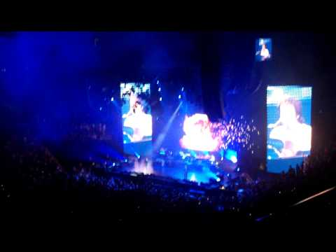 Paul McCartney - Live and Let Die clip (live Nashville, TN)