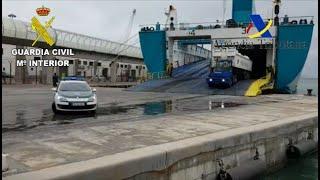 GC colabora en el puerto de Melilla para garantizar el abastecimiento