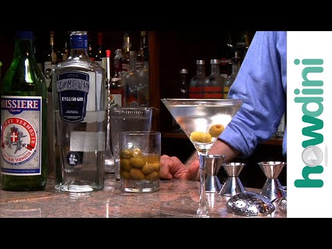 How to make a dirty martini  Dirty martini drink recipe