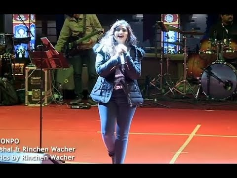 Shreya ghoshal live performance in Bhutan