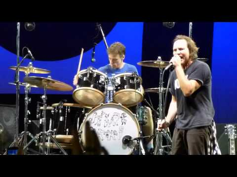 Pearl Jam - Yellow Ledbetter (Curitiba 2011)