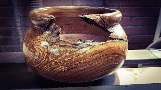 Woodturning a Crotch Bowl with Red Oak