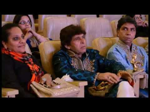 Chunri Sambhal Gori Udi Chali Jaye, Manna Dey and lata Songs by Seema Mishra Live Music Performance!