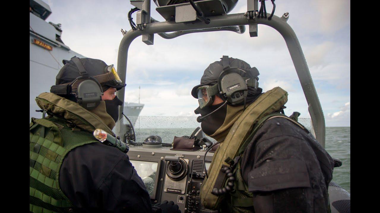 frisc hnlms holland stern ramp slipway recovery dutch patrol vessel