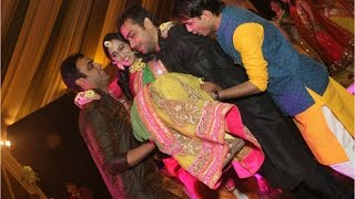 Awesome bride entry dance at haldi ceremony thumbnail
