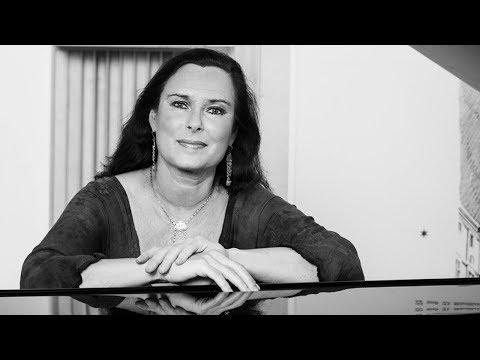 Joaquín Turina - Mujeres de Sevilla Op.89. Beatrice Berthold, Klavier