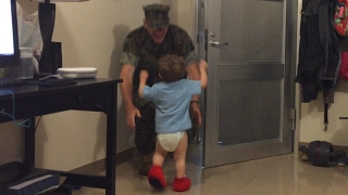 Military Homecoming- MARINE DAD SURPRISES TODDLER WITH HOMECOMING