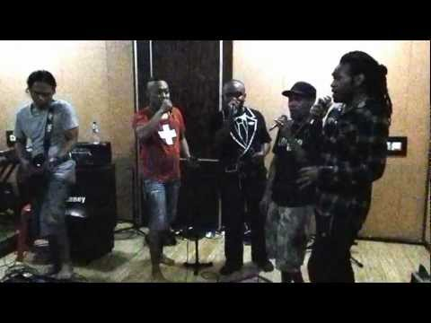 papua dalam cinta pay feat soa soa rehearsal @ studio