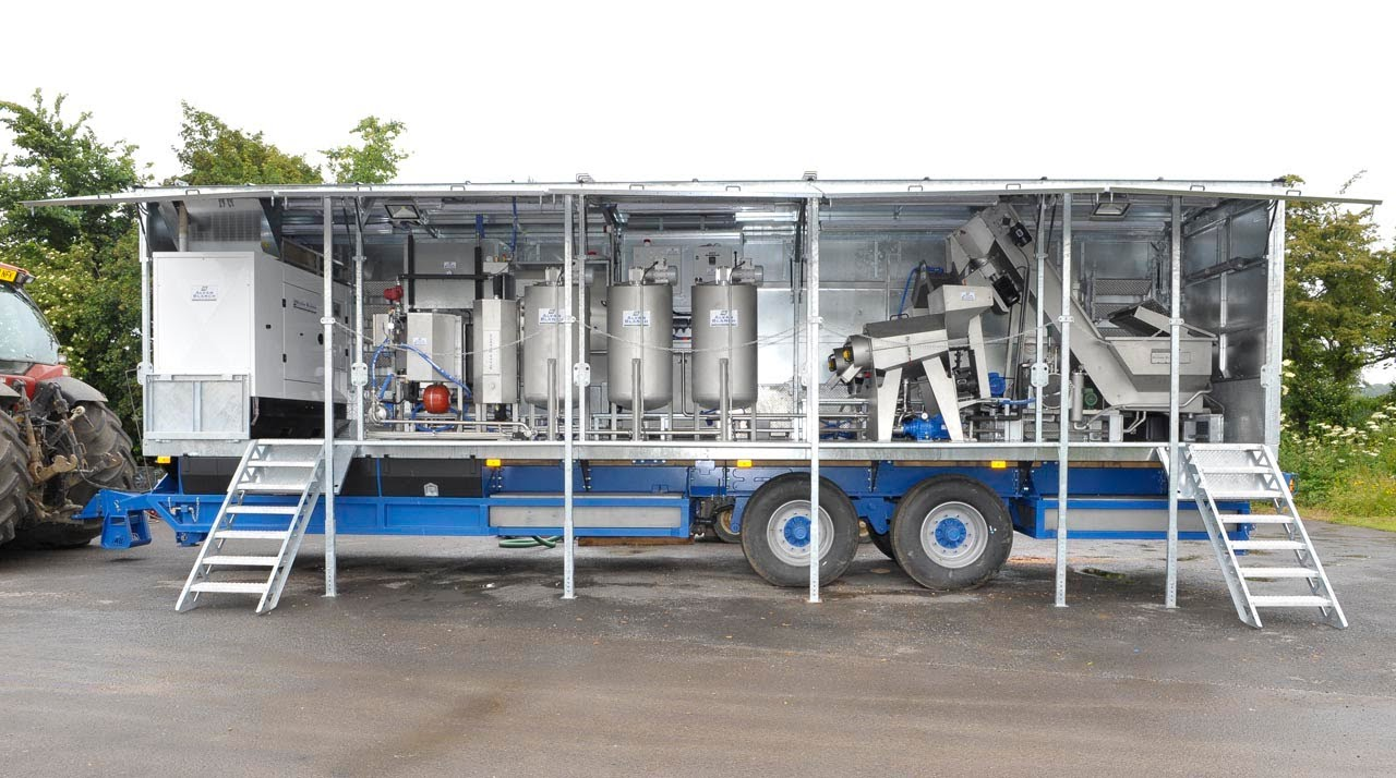 Packing Plant Produce : Mobile fruit juice processing plant youtube
