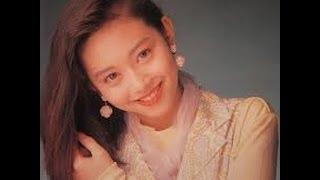 私が小学生のときにはやったドラマで 人気があった浅香唯さんは昔こんな...