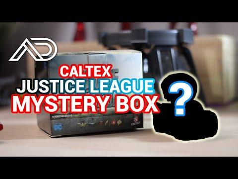 Unboxing Justice League Mystery Box dari Caltex