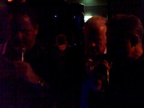 Vidar Walquist, Tore Vikan og Svein Moen synger karaoke