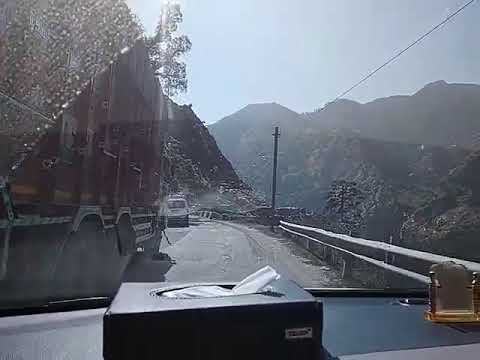 The dangerous and beautiful Srinagar to jammu highway