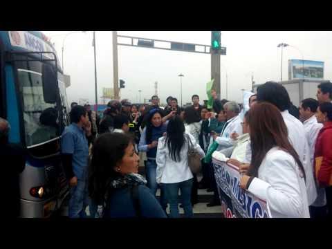 FEDERACION MEDICA PERUANA 01-08-14 A 81 DIAS DE HUELGA