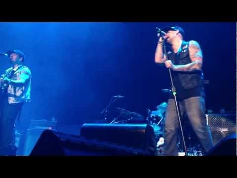 The Madden Brothers singing a new songs called 'Brother' :)