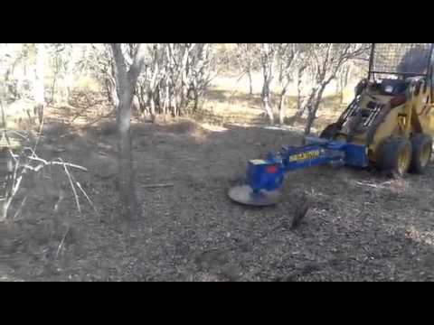 hydraulic-saw-attached-to-shk-mini-garden-loader