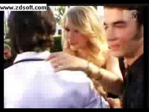 Joe Jonas + Taylor Swift (cute hug)