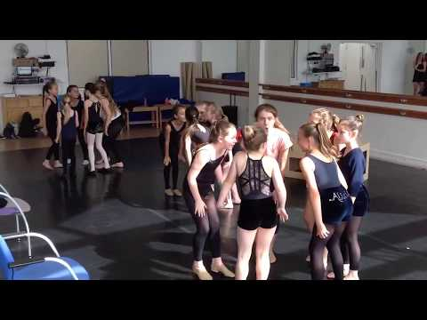 Junior Modern & Musical Theatre Dance Summer Intensive 2017