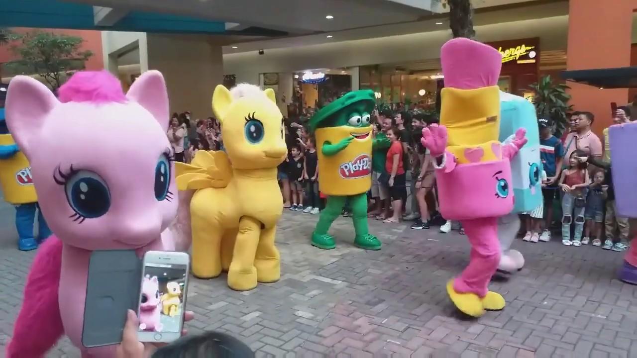 Download MOA Grand Mascot Parade